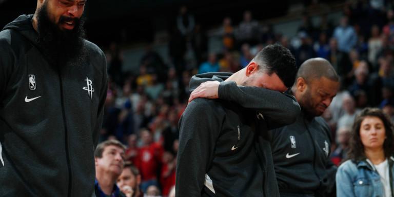 Κόμπι Μπράιαντ: Απίστευτες σκηνές στα γήπεδα του NBA- Παίκτες κλαίνε, λαϊκό προσκύνημα στο Staples Center [εικόνες και βίντεο]