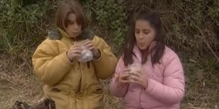 «Το Καφέ της Χαράς»: Ο Μανωλάκης ποζάρει με τη Βάλια 16 χρόνια μετά [εικόνα & βίντεο]