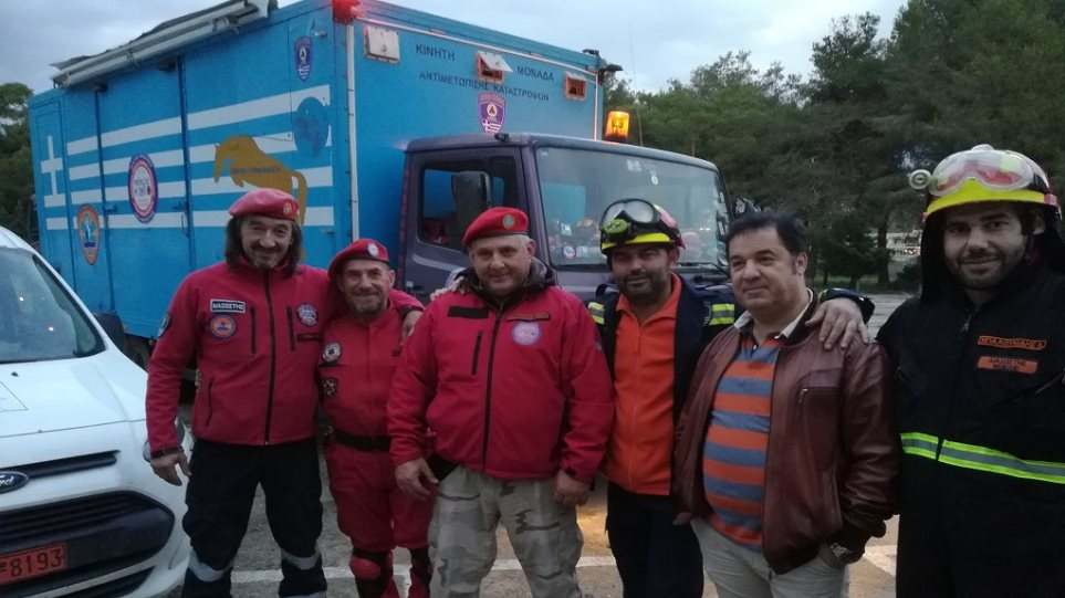 Διασώστης για σεισμό στην Αλβανία: «Όταν άκουγαν τη λέξη Έλληνας, φώναζαν ευχαριστώ Ελλάδα»