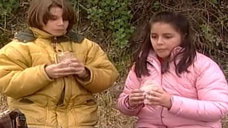 Ο Μανωλάκης και η Βάλια από το «Καφέ της Χαράς» ποζάρουν μαζί 16 χρόνια μετά τη σειρά