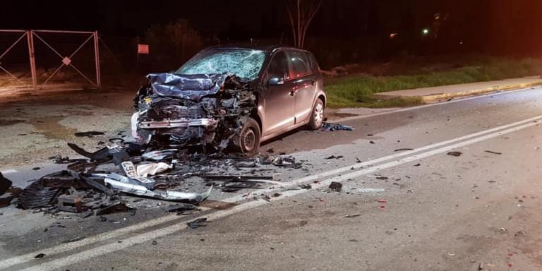 Τροχαίο στην Κηφισιά: Εικόνες σοκ από το δυστύχημα με τους 2 νεκρούς -Αμορφη μάζα σιδερικών τα αυτοκίνητα [εικόνες]