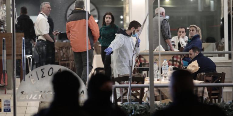 Βάρη: Πώς έγινε η μαφιόζικη εκτέλεση δύο ανδρών στην ταβέρνα -Μπροστά στις οικογένειές τους [εικόνες]