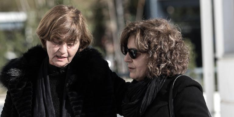 Η μητέρα της Ελένης Τοπαλούδη μαζί με την Μάγδα Φύσσα