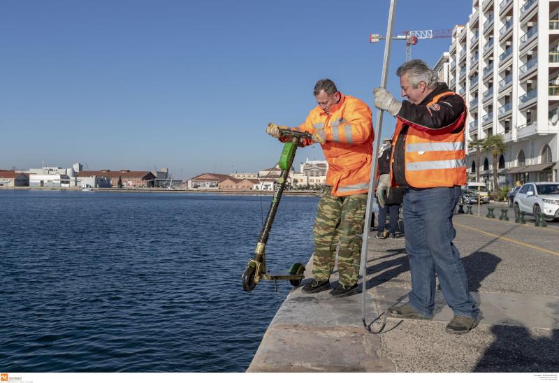 Συνεργείο του τμήματος Περιβάλλοντος του δήμου Θεσσαλονίκης
